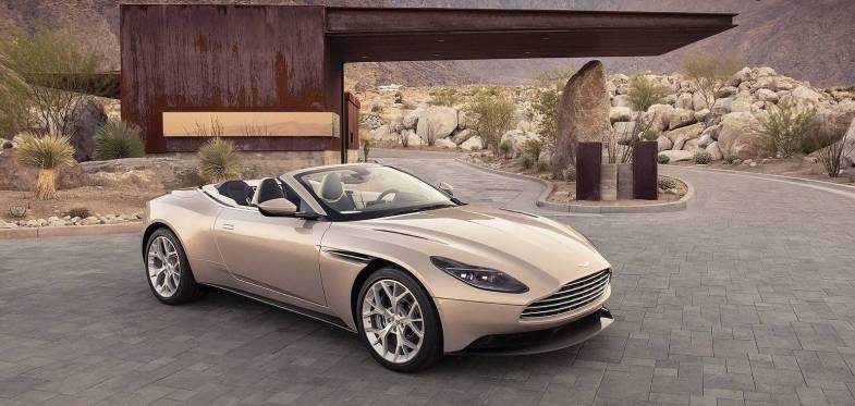 Aston_Martin_DB11_Volante-2019-front