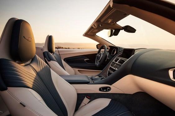 Aston_Martin_DB11_Volante-2019-seats